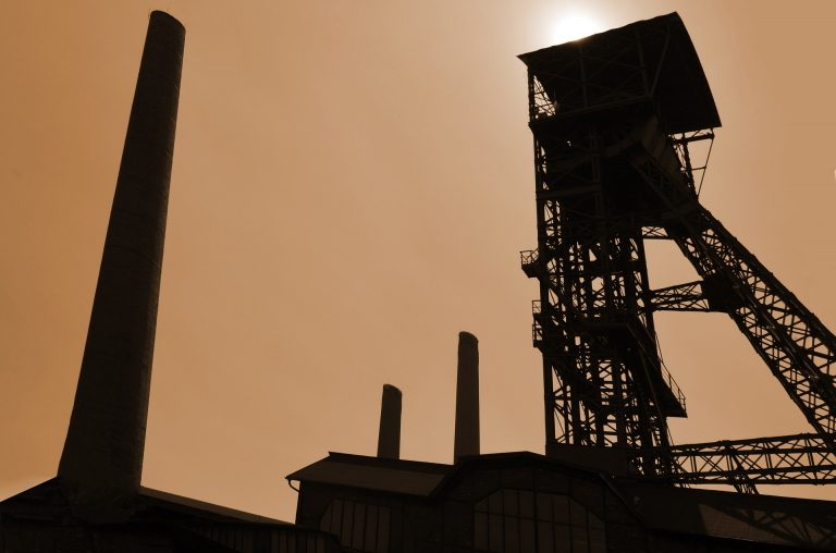 industry-810799_1920