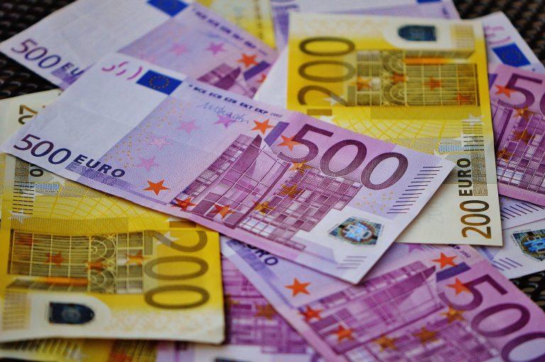 money-1508454_1920