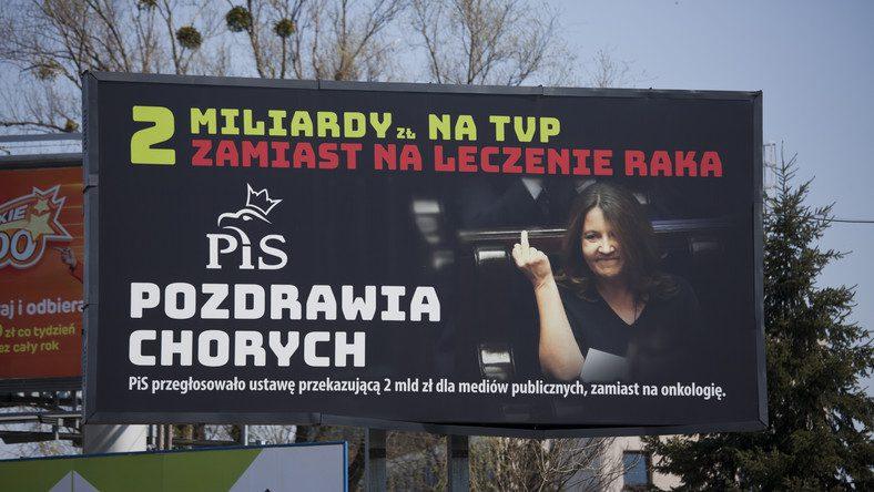 Billboardy zposłanką Lichocką.