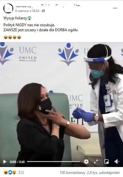 Kamala Harris podczas szczepienia