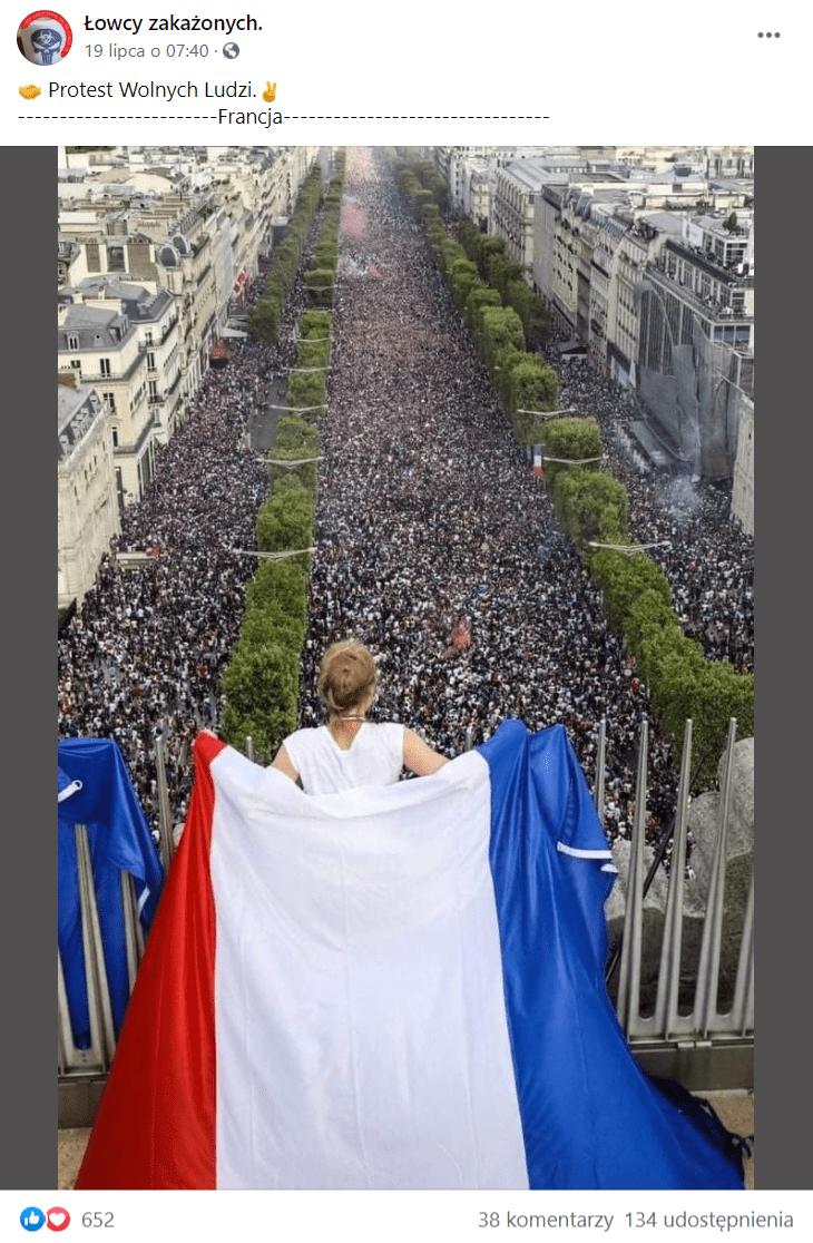 Zrzut ekranu wpisu naFacebooku, doktórego dołączono zdjęcie zrzekomych protestów. Tak naprawdę wykonano je kilka temu inie ma związku zprotestami.