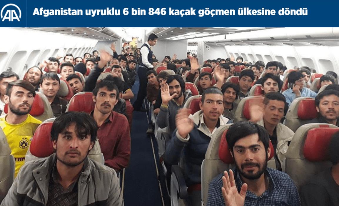 Zrzut ekranu przedstawiający fotografię migrantów zAfganistanu nastronie tureckiej agencji prasowej.